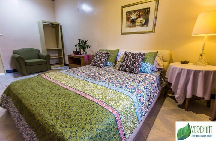 Verdant Acre Farm Bed & Breakfast Bedroom 4