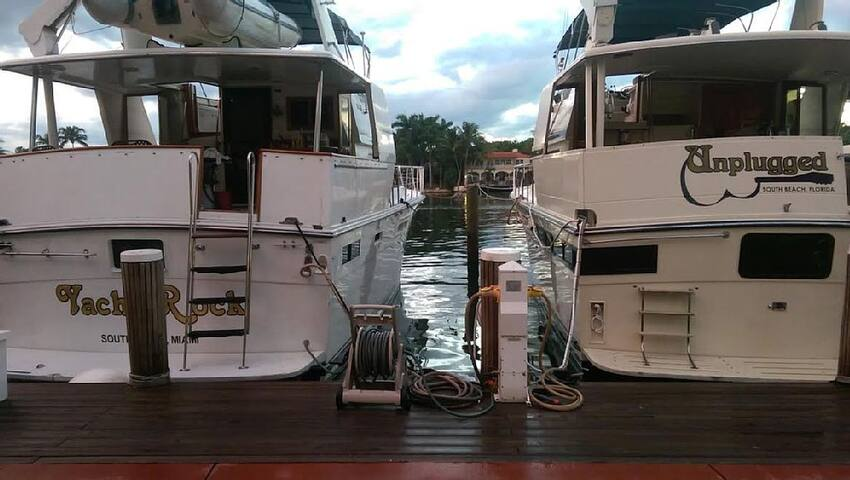 Fabulous Spacious Yacht Ready to Rock Your World - Miami Beach - Barco