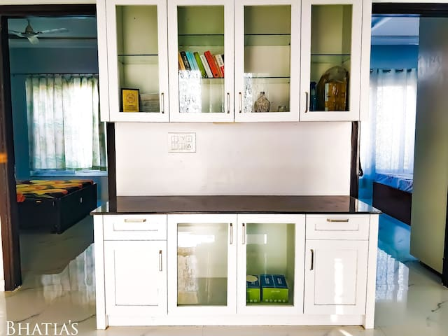 Reading Area and Bar Cabinet