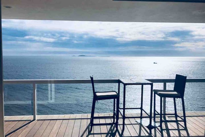 Breathtaking Oceanfront Condo BAJA!