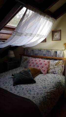 Doppelzimmer in Landhaus mit grossen Garten