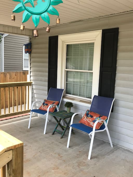Nice sized front porch with ceiling fan