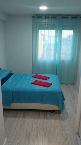 Cosy double bedroom - Vecindario - Casa