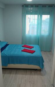 Lovely double bedrooms to rent in peaceful house - Vecindario