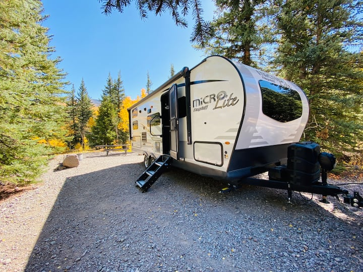 Gunnison Glamper > new RV rental, 4min walk to bus