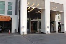 B座2楼大厅入口