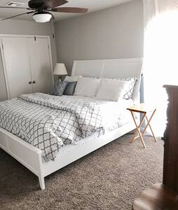 NoFees on Golf Course with King Bed - Oklahoma City - Rekkehus