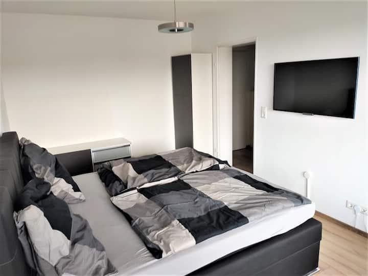 Frisch renovierte Wohnung in Uninähe
