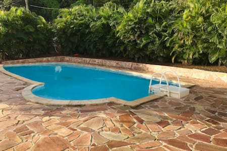 Villa privatisé avec piscine