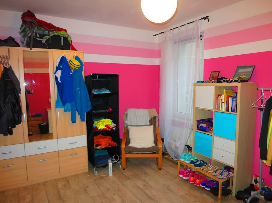 Dein gemütliches 16 qm-Zimmer :)