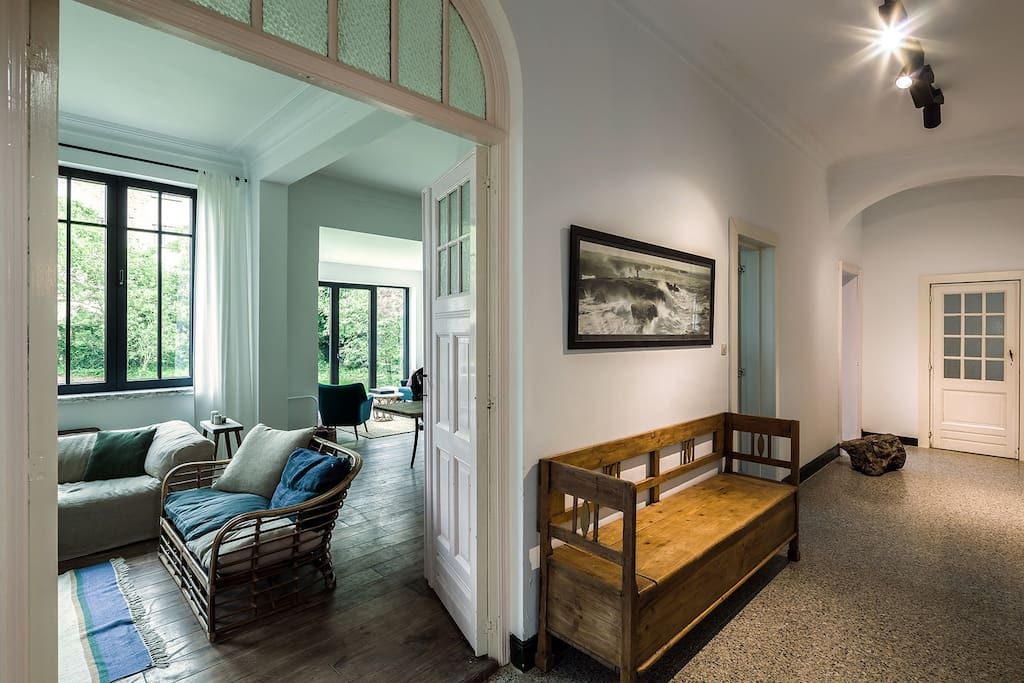 Hallway & living room