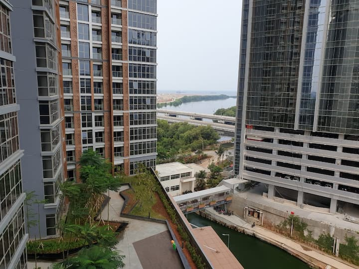 011 Gold Coast Apartment - Up to 3 pax
