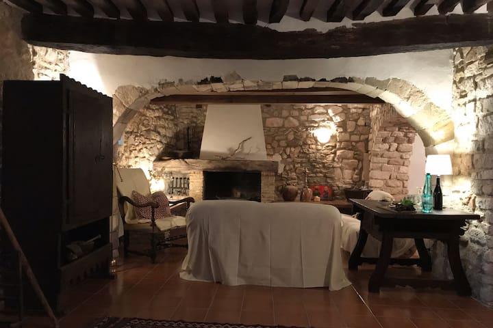 Provençal townhouse in pittoresk village