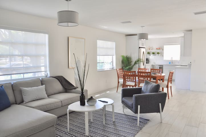South Miami/UM area fresh comfortable apartment