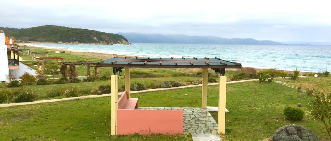 Seafront beach house - Ierissos - Alojamiento vacacional