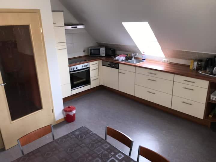 Ferienwohnung Asum -, Wohnung Grün - Helle Fewo mit  3 Schlafräumen und großzügiger Wohnküche & kostenfreiem WLAN