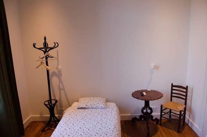 Albert Moliere : chambre single côté jardin
