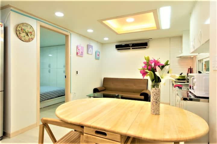 OPEN>1min from Hongdae Uni Station+(free Wifi egg)