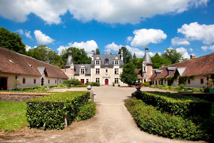 Sleep in a Loire Valley castle