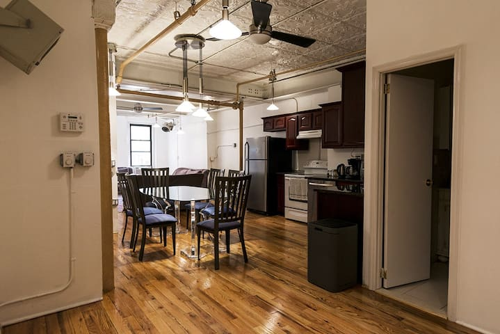 MODERN 3 BEDROOM APT IN THE HEART OF BROOKLYN