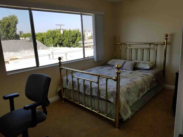 private furnished room in great area  los angeles