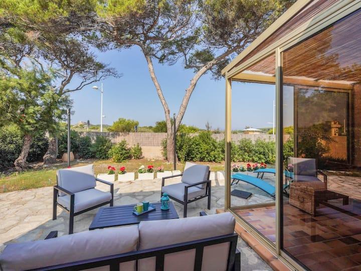 Grande villa de charme avec A/C et vue sur mer à Six-Fours – Welkeys