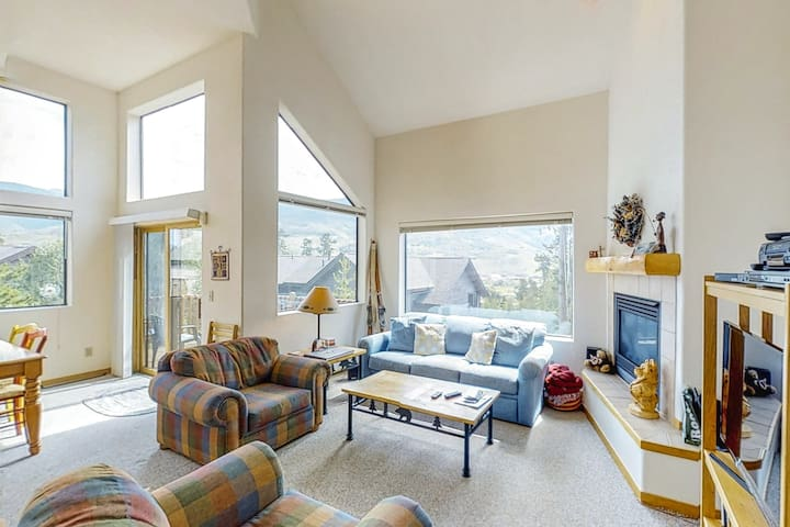 Spacious & inviting mountain home w/ views, on-site golf, skiing, & more!