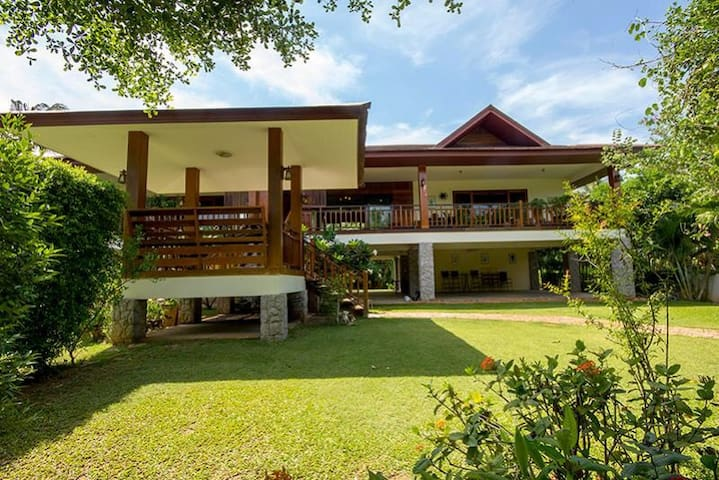 Beautiful poolvilla near de rivier - Prachuap Khiri Khan - House