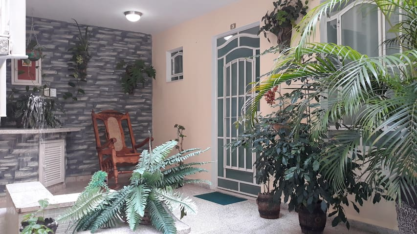 SPACIOUS CENTRAL FAMILY BDR&BIG TERRACE♦WiFi FREE