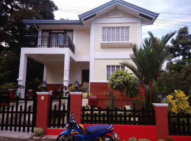 Cosy Home 3b/room, 8 persons, 358sqm - Antipolo - Hus