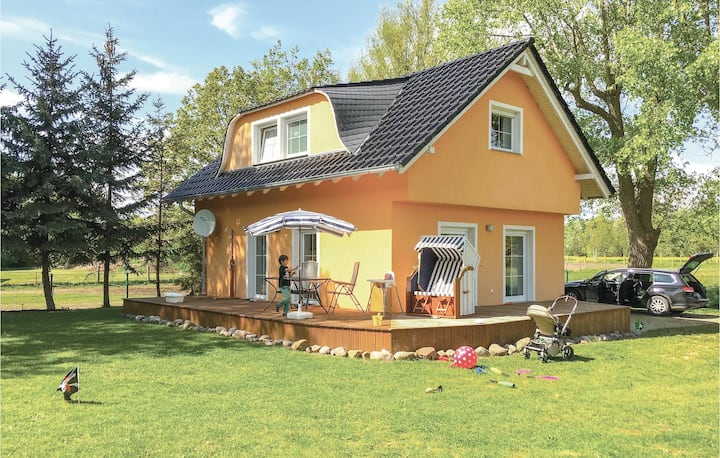 Holiday cottage with 2 bedrooms on 95m² in Poel OT Weitendorf