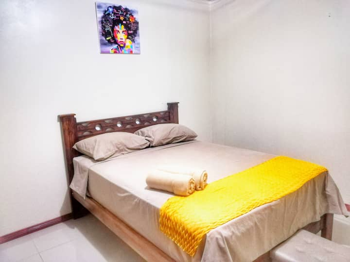VERY NICE ROOM W DOUBLE BED AND PRIVATE BATHROOM.