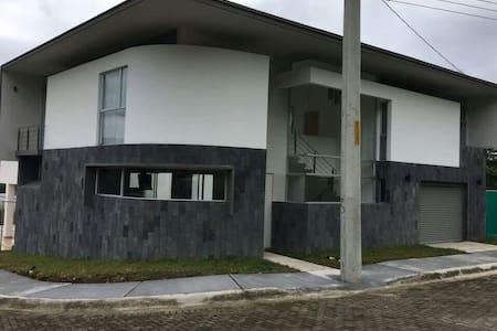 Punta Leona House - Quebrada Ganado, Provincia de Puntarenas, punta leona CR