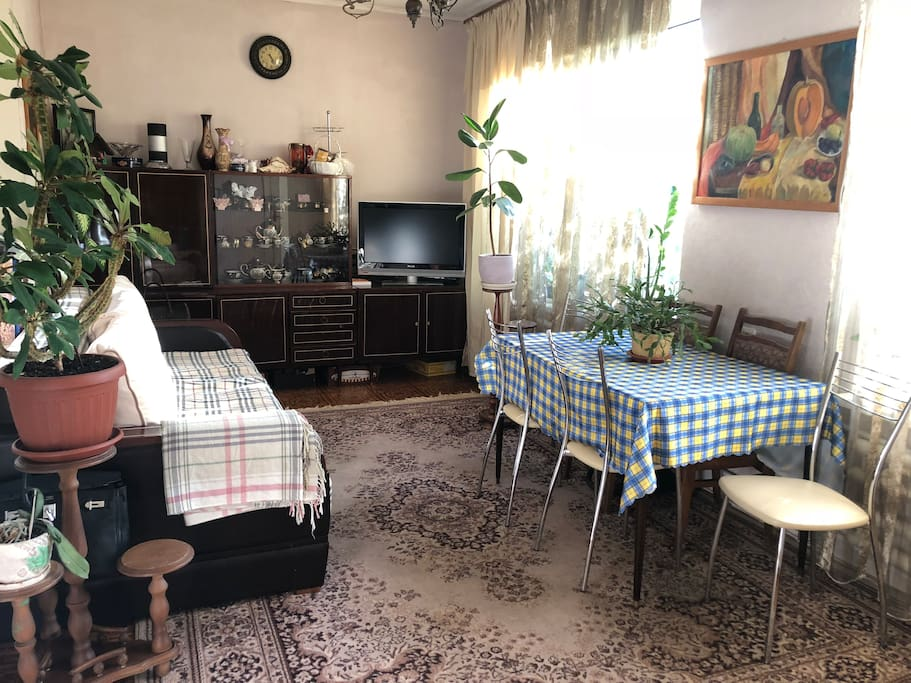столовая комната ( Dining room)