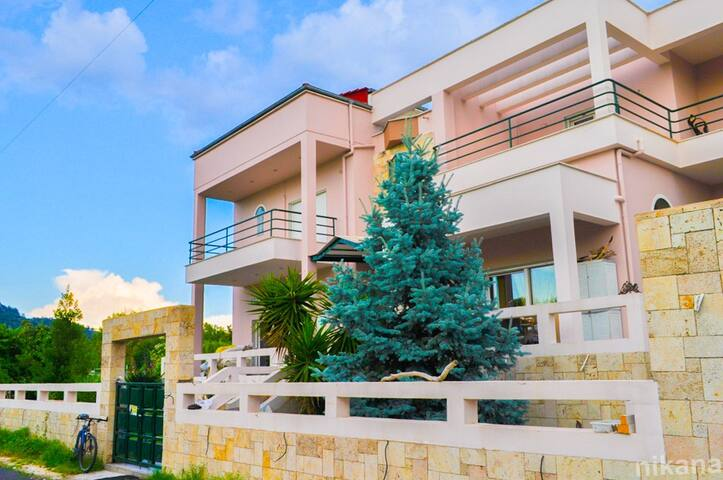 Villa green Dimitriadis