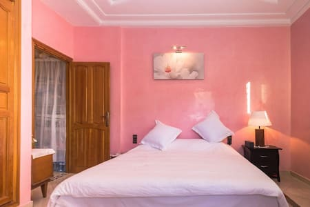 Private mastersuite (ensuite bathroom) stay@locals - Fes - Apartment