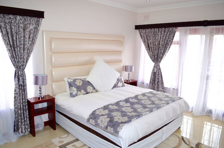 King Room at The Meritus - Durban - Ev