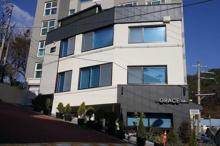 Grace  (주택3층-아파트20평 구조)
