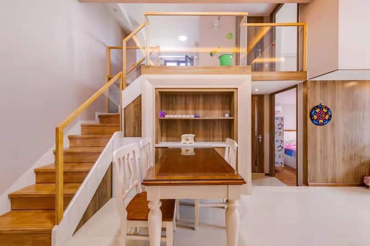 临近地铁上岸站长安天街两室两厅两卫148平超大户型落地大飘窗