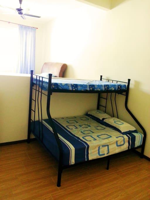 Double decker at master bedroom (2nd floor front)