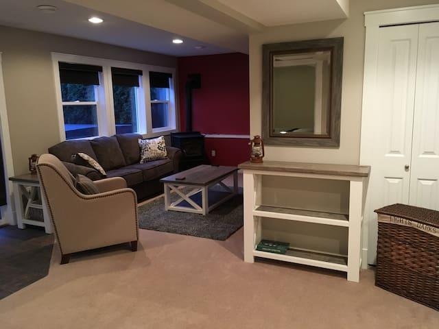 The Cozy Retreat Suite