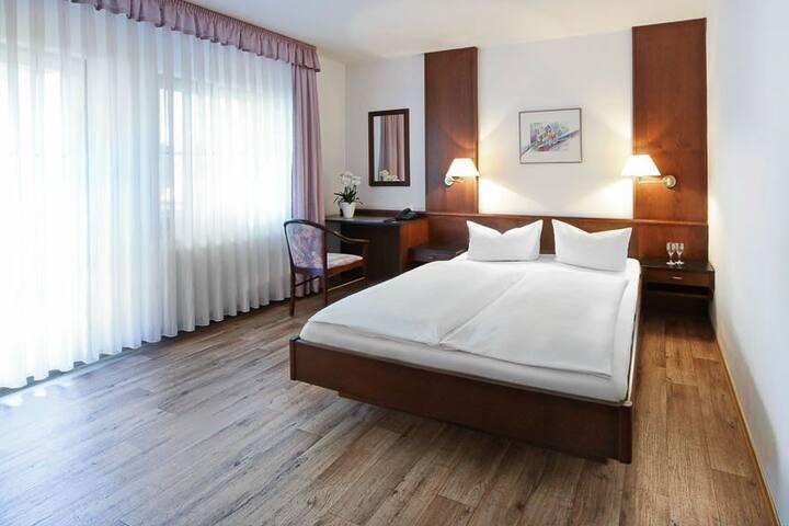 Waldhotel Bächlein (Mitwitz), Doppelzimmer Komfort im edlen Landhausstil