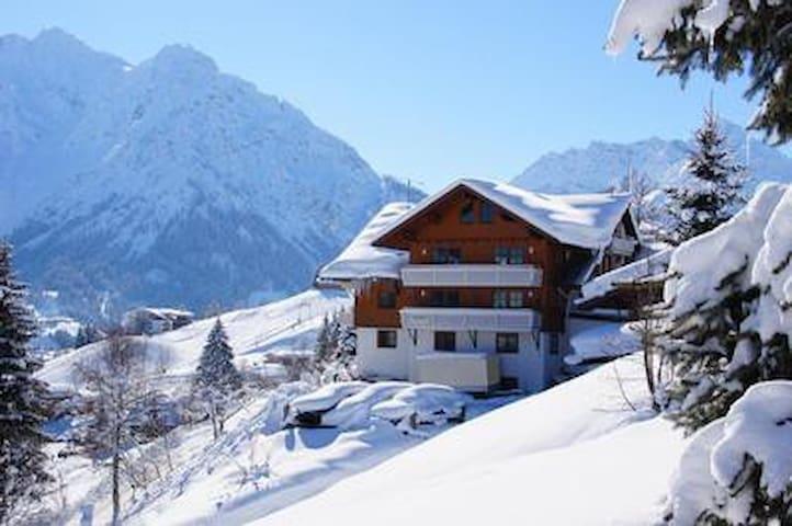 Gästehaus am Berg, Ferienwohnung Widderstein, 1 Schlafzimmer