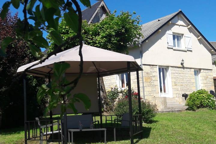 """Gîte """"Le Marronnier"""", maison de campagne au calme"""