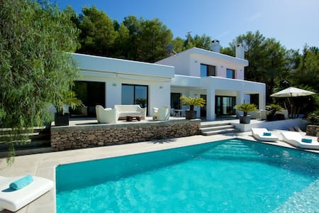 Villa near the best Ibiza beaches - Illes Balears