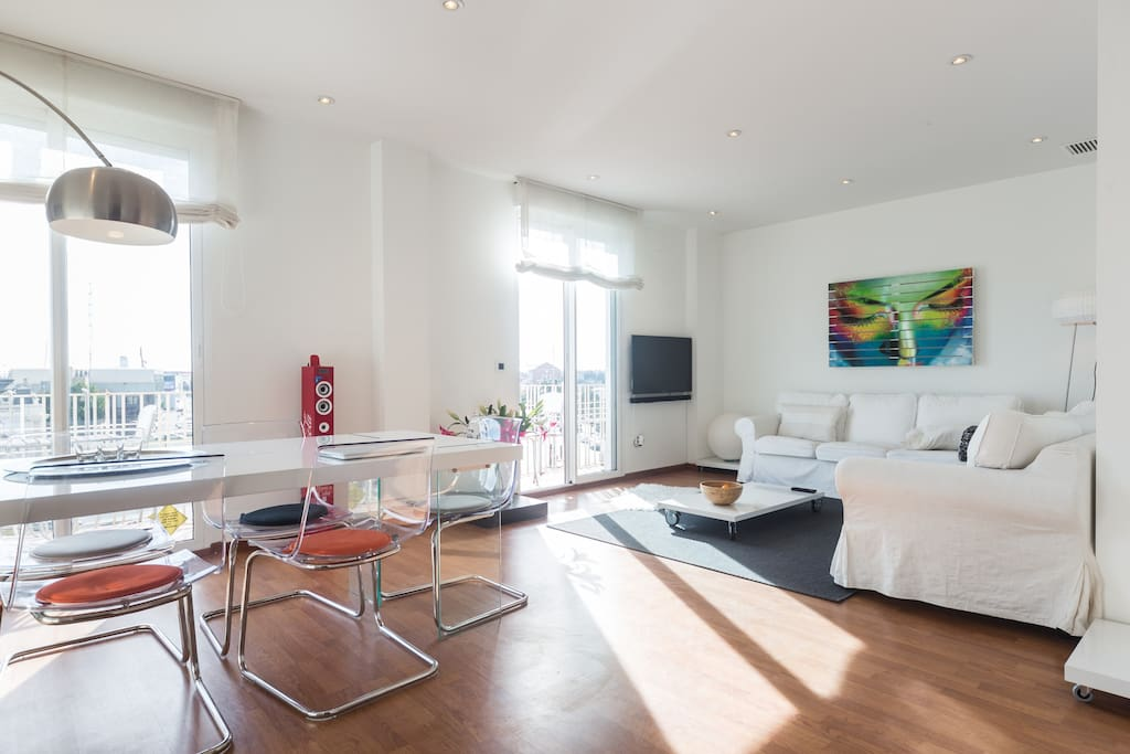 Living and dining in apartment Valencia