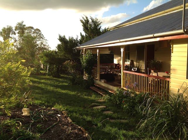 Kurrajong Guesthouse Country Retrea - Killarney - Rumah