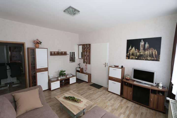 Zentrale und ruhige Ferienwohnung, 4 Gäste, 58 qm
