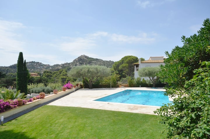Holiday rental semidetached with swimming pool in Begur, Aiguablava