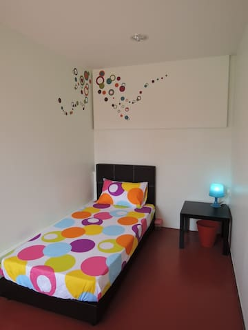 Single Bedroom @ The P!LLOHOUzzze
